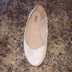 Mia Shoes Shoes - Mia Ellen scalloped flats